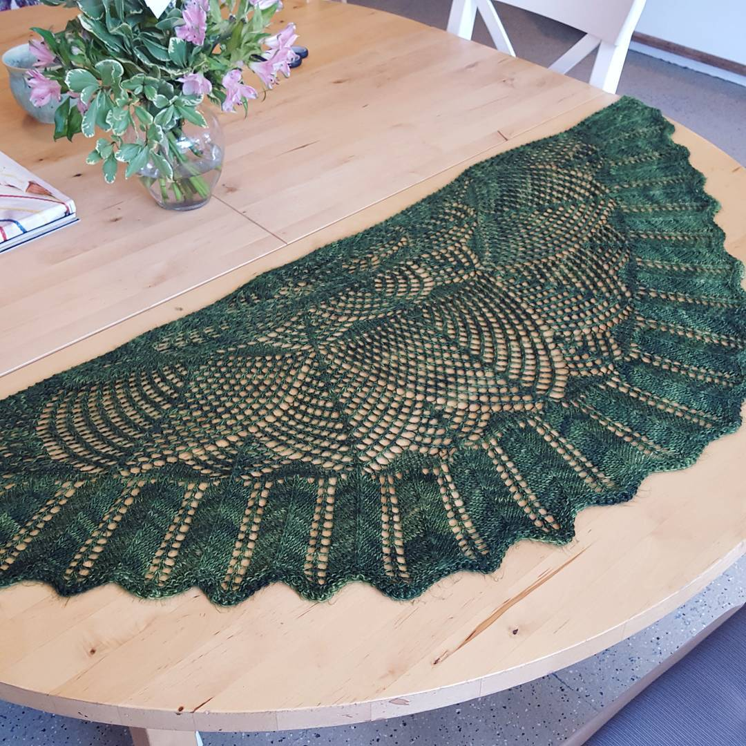 Knit wavedeck pi shawl